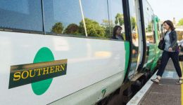 Újabb, ezúttal három egynapos sztrájkot jelentettek be a brit vasutakon
