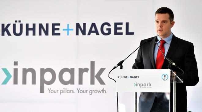 Lányi Márton, a Kühne + Nagel Kft. ügyvezető igazgatója beszédet mond az Inpark Páty projekt keretében épülő nemzetközi logisztikai bázis alapkőletételi ünnepségén Pátyon 2016. november 28-án. (MTI Fotó: Illyés Tibor)