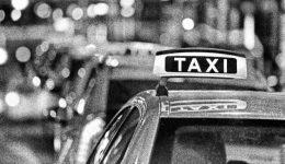 A fővárosi taxisok tíz százalékos tarifaemelést kezdeményeznek