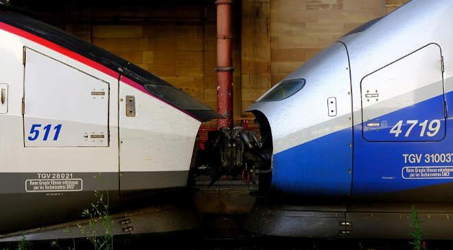 Csehország a francia szabályok szerint építi meg nagysebességű vasutjait